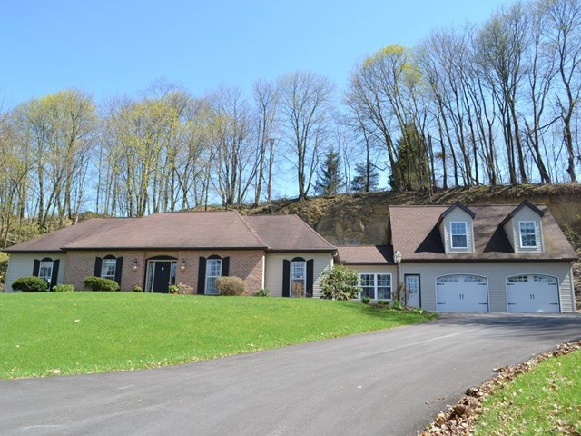 100 Rabbit Hill Rd, Mifflinburg