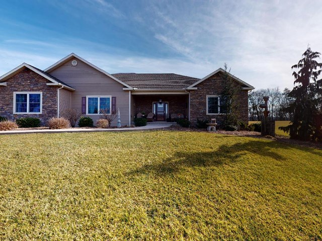 405 Hollenbach Road, Middleburg, PA
