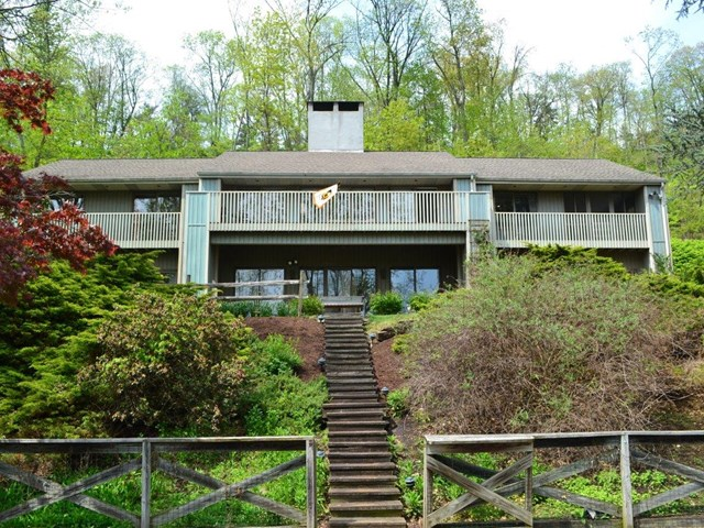 610 Ridge Rd, Mifflinburg