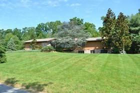 270 Meadow Run Dr, Winfield, PA